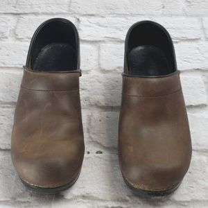 ansco Professional Antique Brown Leather Clogs